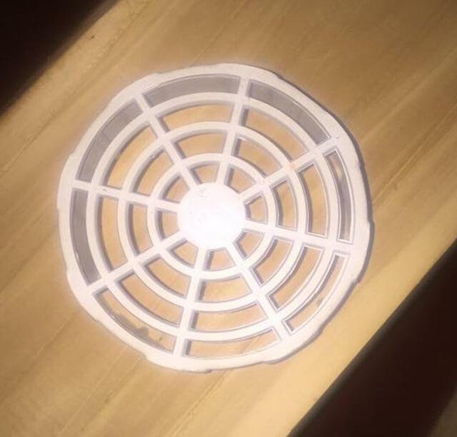 Nắp bịt lỗ thông hơi nhà yến bằng nhựa